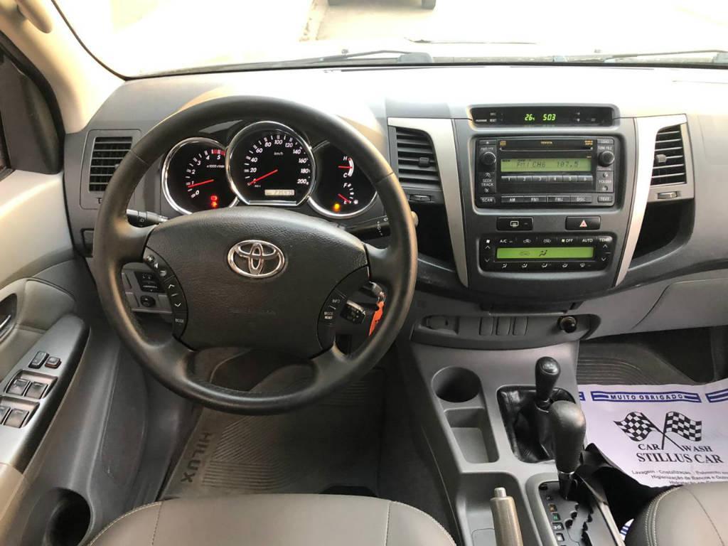 Toyota Hilux SRV 4x4 2011